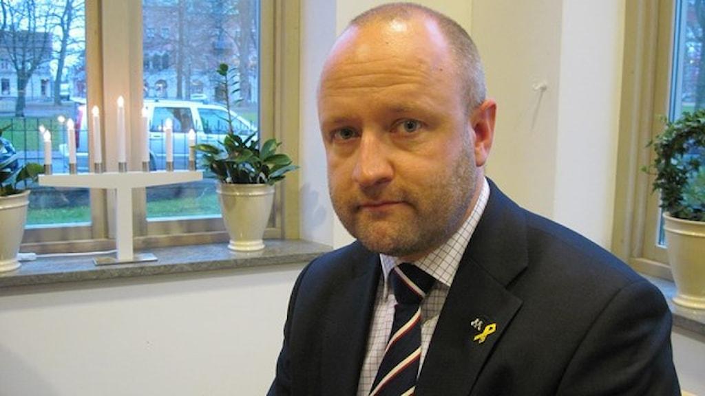 Anders G Johansson hotar att lämna sina politiska uppdrag om snusförbudet införs. Foto: Linnea Frimodig / Sveriges Radio