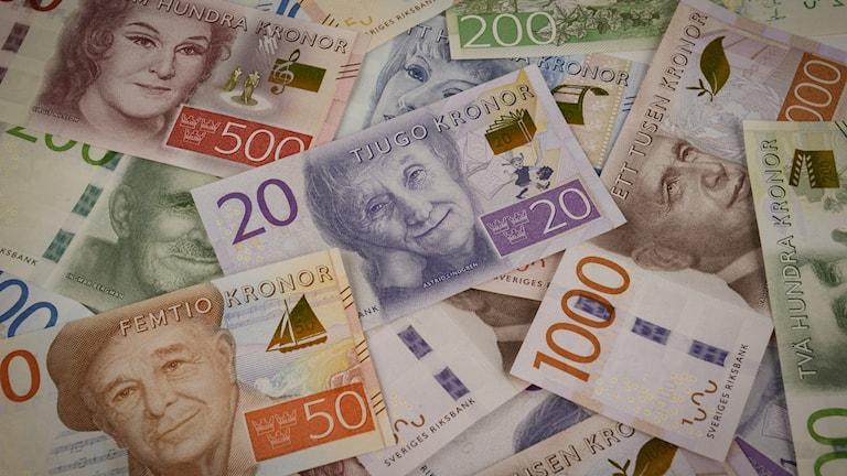 De nya sedlarna släpps i höst och nästa höst. Foto: Riksbanken