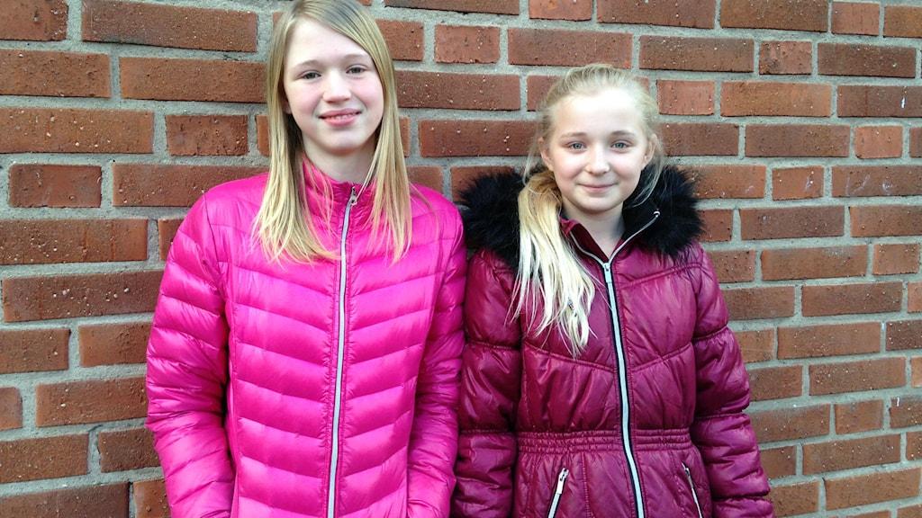 Isabelle Eriksson och Ellen Svensson, Ardala skola. Foto: Jenny Josefsson P4 Skaraborg Sveriges Radio