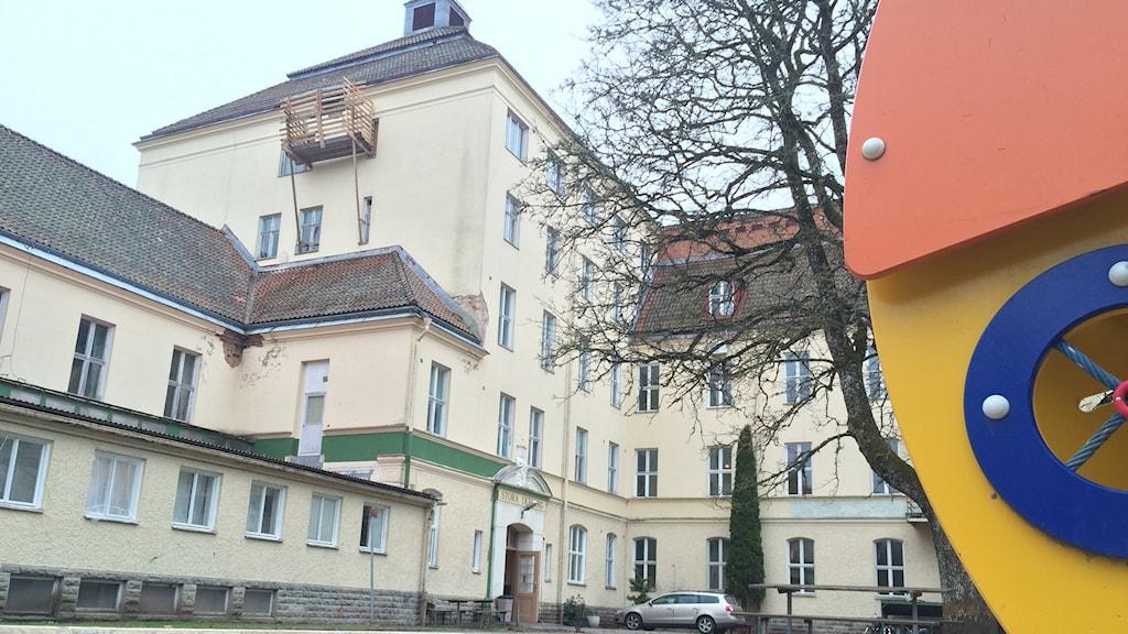 Stora Ekebergs flyktingförläggning. Foto: Mats Öfwerström / Sveriges Radio