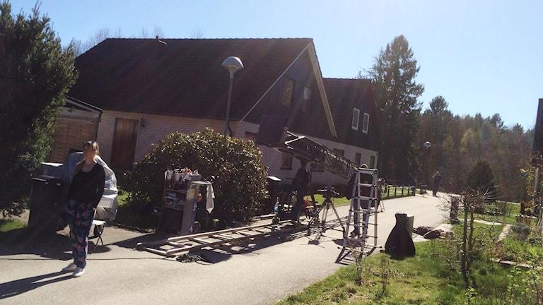 Filminspelning pågår bland radhusen
