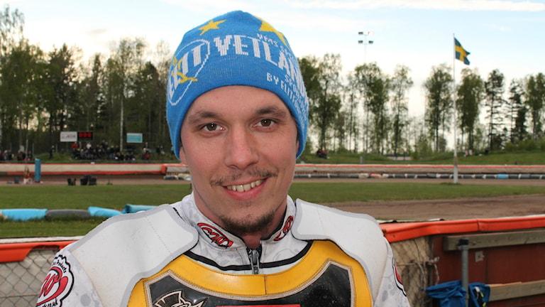 Magnus Karlsson, duktig förare hos Örnarna i segermatchen mot Valsarna. Foto Tommy Järlström P4 Sveriges Radio.