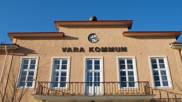 Vara kommunhus. Foto: Vara kommun