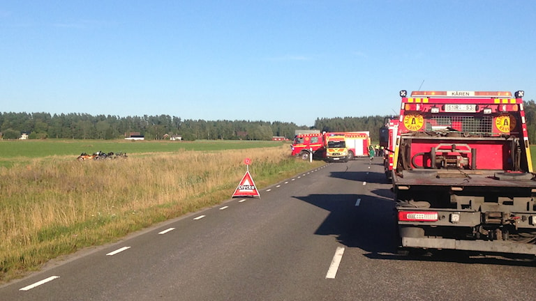 Fyra motorcyklar har varit inblandade i olyckan. Foto: Pernilla Wadebäck / P4 Skaraborg