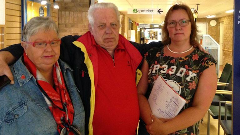 Cristina och Jürgen Boldt tillsammans med Marie-Louise Thor. Foto: Jenny Josefsson P4 Skaraborg Sveriges Radio