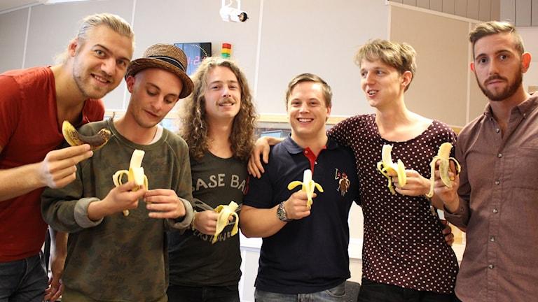 Mikael Landén Band kolhydratladdade innan replokalen drog igång. Foto: Malin G Pettersson/Sveriges Radio