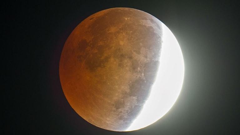 Blood och supermåne på samma gång