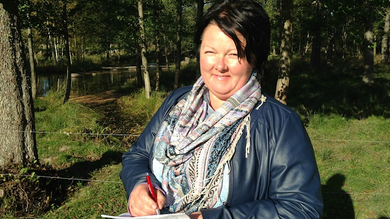 Birte Usland från Norge studerar svenskt lantbruk i Skaraborg. Foto: Jenny Josefsson P4 Skaraborg Sveriges Radio