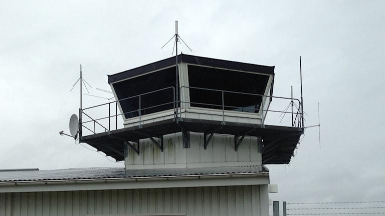 Flygtornet på Lidköping Flygplats är nedsläckt. Foto: Linnéa Frimodig