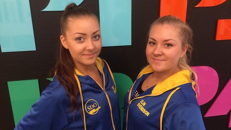 Systrarna Ida och Elin Svensson från Lidsköping är påväg till sitt första VM i dans. Foto: Torbjörn Borg / P4 Skaraborg