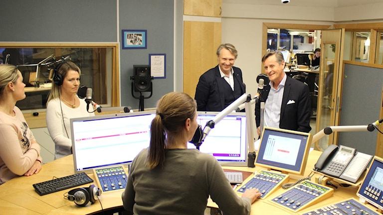 Debatt om tystnaden med bland annat HR-chefen Peder Yderhag och sjukhusdirektören Lars Johansson och Viveka Karlberg, sjuksköterska på Skaraborgs sjukhus. Foto: Malin G Pettersson/Sveriges Radio