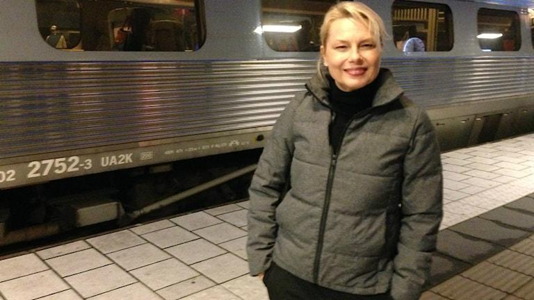 Hela Bergström gör ett kort besök i Skara ikväll. Foto: Jonas Partheen/P4 Skaraborg