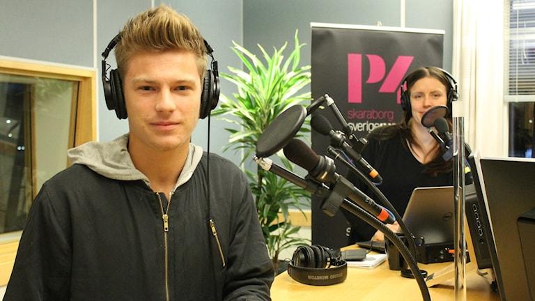 Oliver Knutsson i morgonprogrammet. Bild: Malin G Pettersson/Sveriges Radio