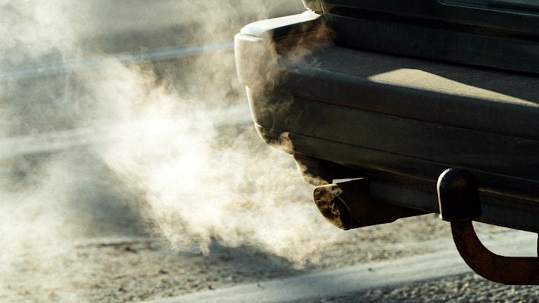 Västra götaland har börjat ta ut avgift på avgaserna från bilar och flyg. Foto: Erik Svensson/Scanpix.