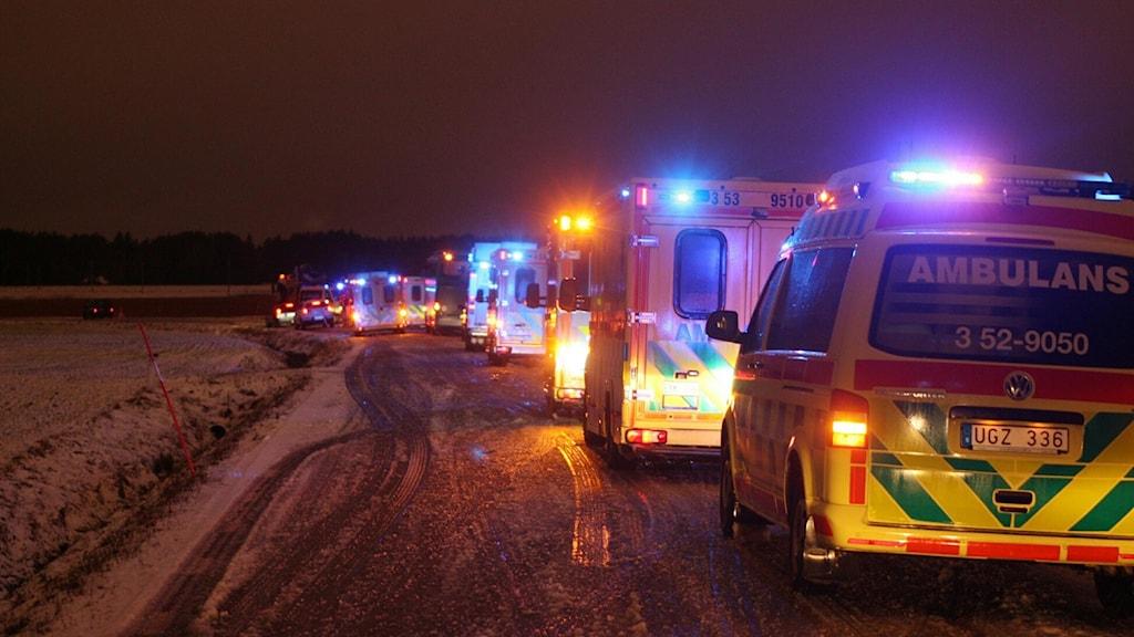 Trafikkö med mestadels ambulanser. Foto: Torbjörn Axelsson.