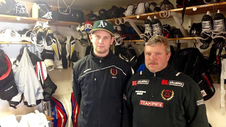 Anton Lundholm och Patrik Karlsson i Töreboda HF.