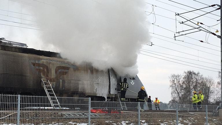Tåg som brinner