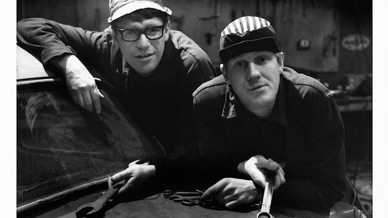 Roy och Roger. De berömda bröderna med en egen mack.