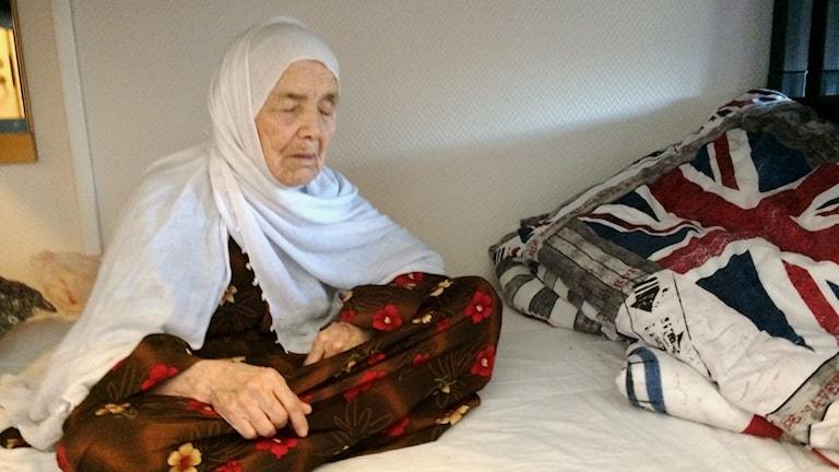 Bibikhal Uzbek i sin säng på asylboendet i Lundsbrunn.