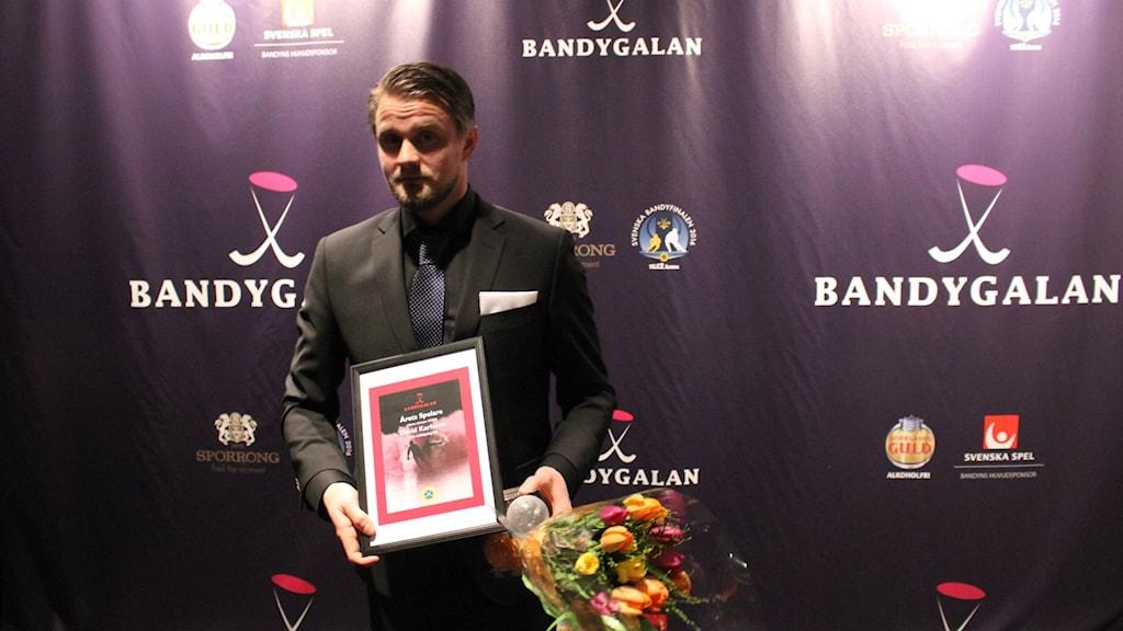 Villa Lidköpings David Karlsson under bandygalan.