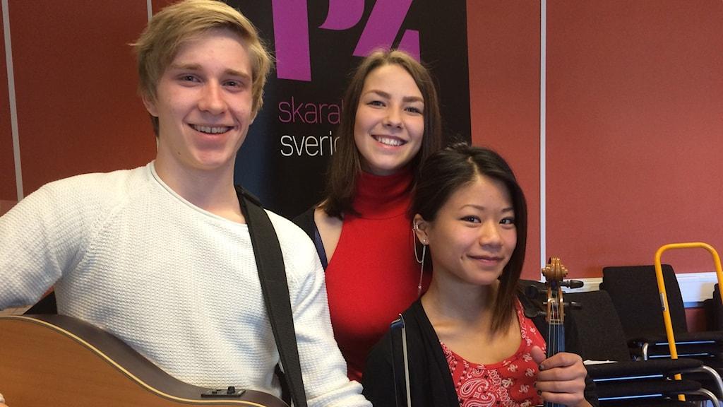 Acoustic Three: Edvin Svensson, Agnes Rådmark och Maisan Gustafsson.