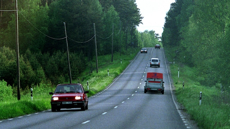 Bilar på landsväg
