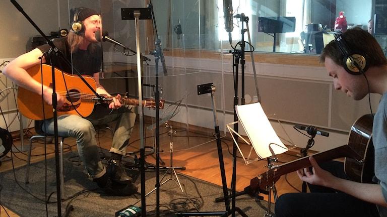 Thomas Lundell och Johan Randén spelar live i förmiddagsprogrammet.