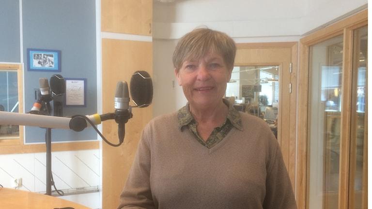 Elisabeth Stålarm i radiostudion
