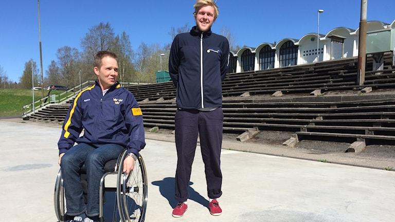 Peter Ojala, lagkapten i Svenska kälkhockey-landslaget och Fredrik Lorenzo, projektledare Billingens aktivitetsland.