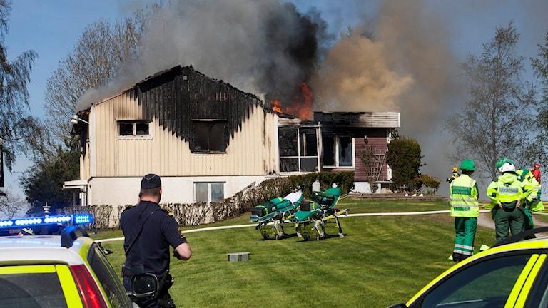 En man omkom i branden i Bitterna.