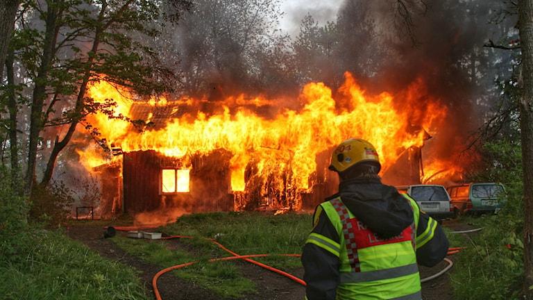 Brand i villa i Naum. Foto: Torbjörn Axelsson