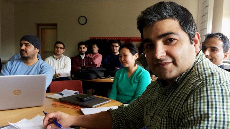 Iraj Mansouryan med sina kurskamrater i Skara.