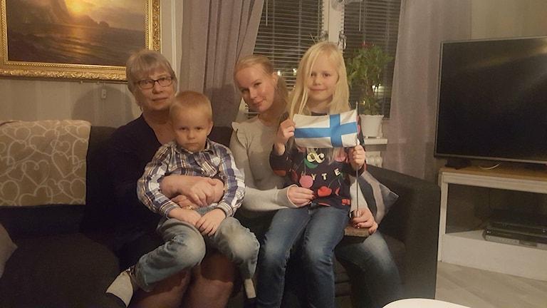 Anneli Heikka, Kirsi Minkkinen, Joonah Minkkinen och Noorah Minkkinen.