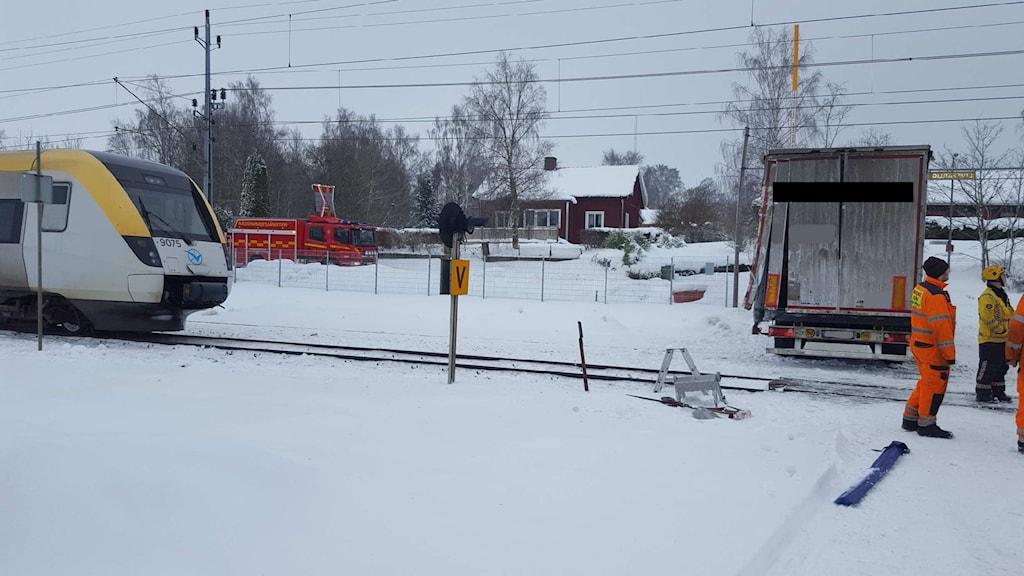 Tåg och lastbil i olycka