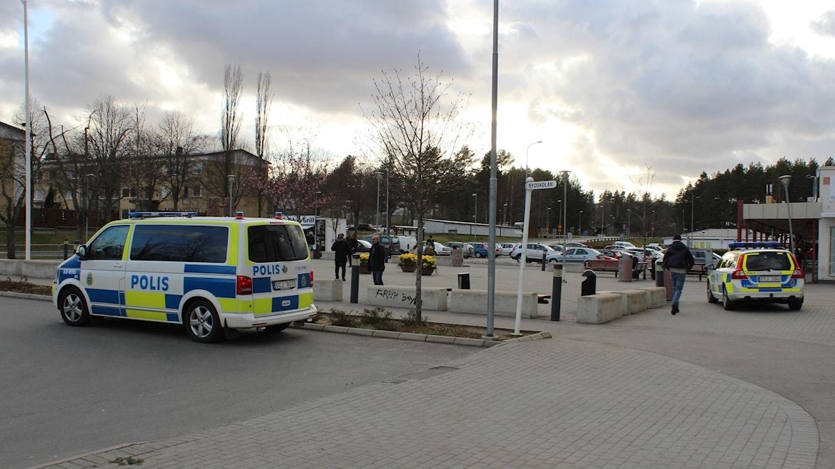 Polisen på plats i Södra Ryd.