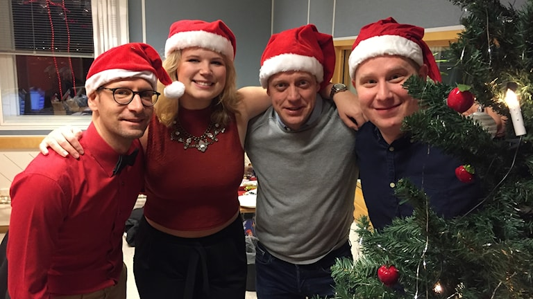 Torbjörn Borg, Emmy Rydstrand, Anders Eriksson och Emil Andersson i studion.