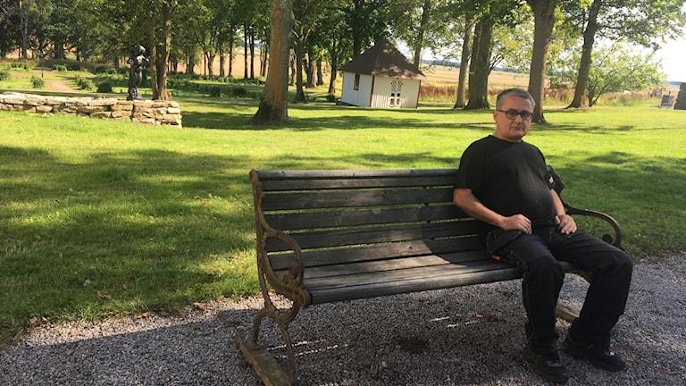 Alexander Vorontsov sitter på en bänk