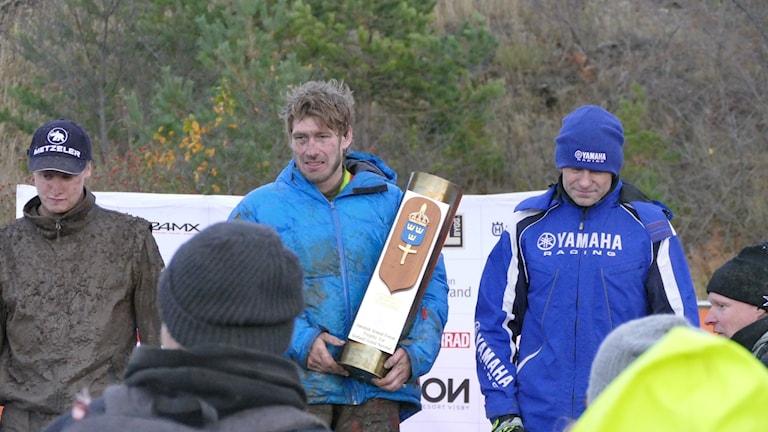 Tvåan Albin Elowson, vinnaren Kjetil Gundersen och trean Mats Nilsson.