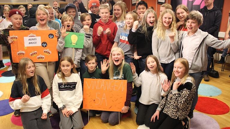 Gruppfoto på klass 5A från Vindängen i Falköping som vann sin kvartsfinal mot Lidåkerskolan från Lidköping.