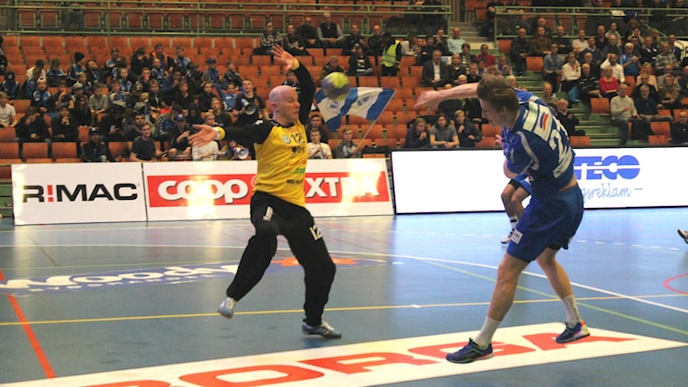 Alfred Ehn IFK Skövde in action. Foto Tommy Järlström P4 Sveriges Radio.