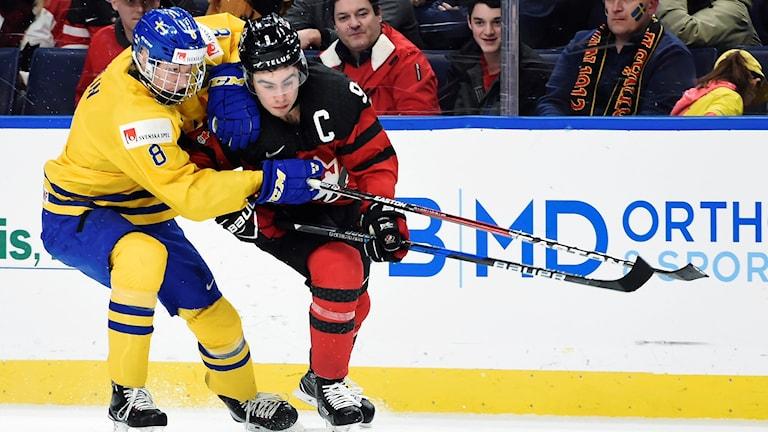 Rasmus Dahlin under JVM-finalen mot Kanada.