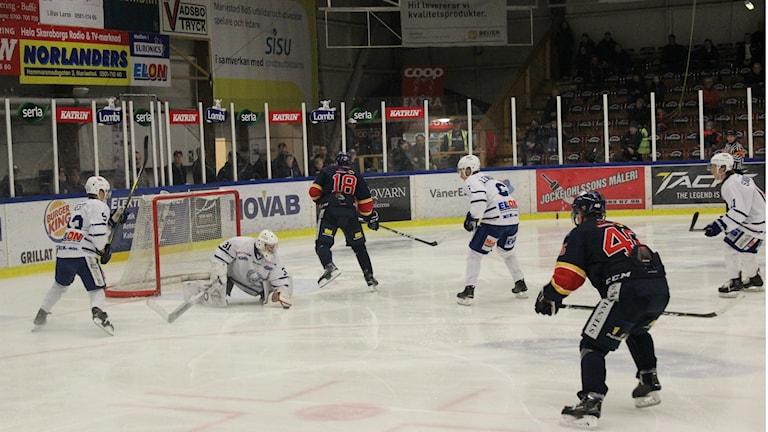 BoIS trycker på mot Köping. Foto Tommy Järlström Sveriges Radio.