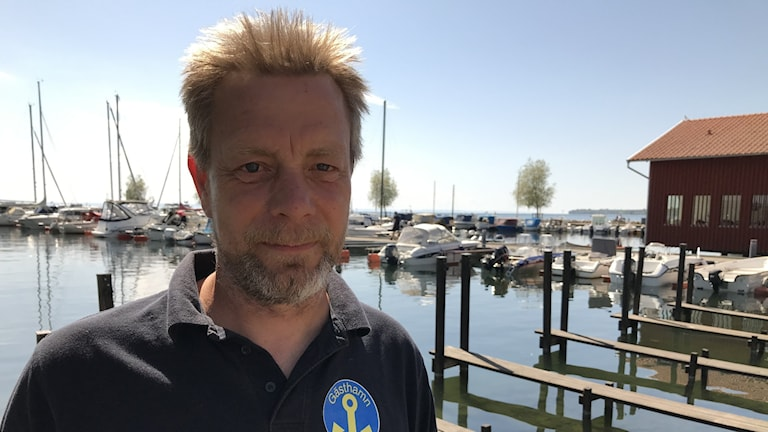 Hamnvärden Joakim Andersson har redan märkt av ett ökat besökstryck i gästhamnen i Hjo.