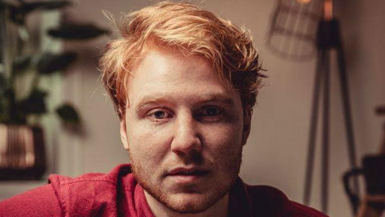 Joakim Wilow Sundh från Falköping har skrivit låtar åt en känd DJ.