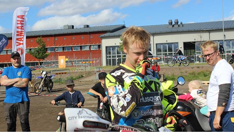 Albin Elowson pustar ut efter tävlingen. Foto Tommy Järlström P4 Sveriges Radio.
