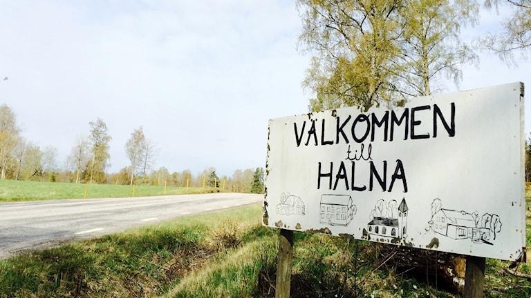 Vägskylt Halna