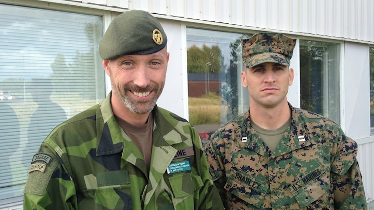 Bataljonschefen på K3 Christian Heine och Buck Bradley från USA:s marinkår.