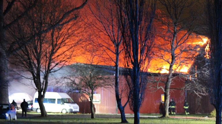Brand i Ladugård utanför Lidköping