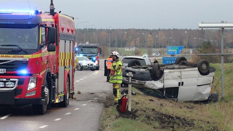 Två bilar kolliderade vid trafikplats Vilan.