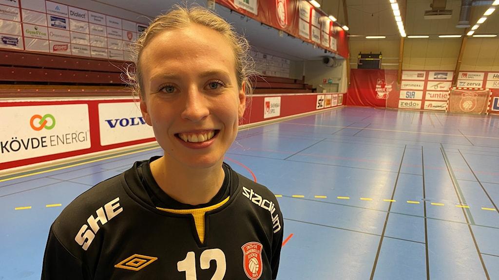 Viktoria Börjesson gjorde comeback i Skövdemålet och hade imponerande 35 i räddningsprocent i sin första match på nästan tre år.